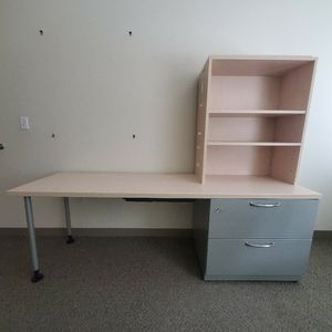 Steelcase desk for Sale in Issaquah, WA