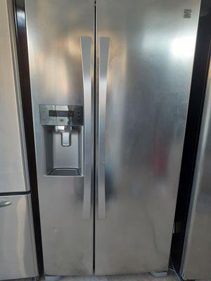 Kenmore Elite 33 stainless steel fridge side by side for Sale in Phoenix, AZ