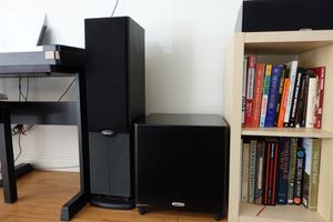 Hi-fi home audio system: amplifier + subwoofer + 2 tower + 1 center speakers for Sale in Playa del Rey, CA