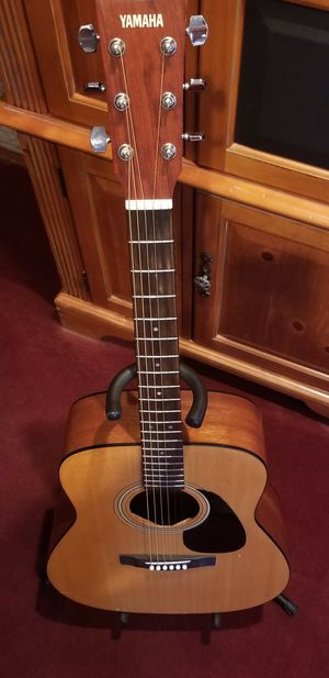 Yamaha classical guitar with soft case for Sale in San Ramon, CA