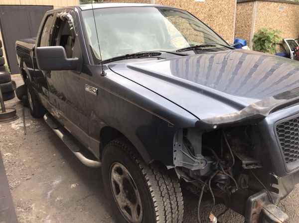 2004 Ford F-150 part out.
