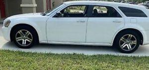 Dodge Magnum 2005 for Sale in Fresno, CA
