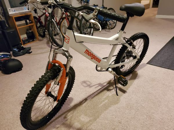 Mongoose 20 ' bike