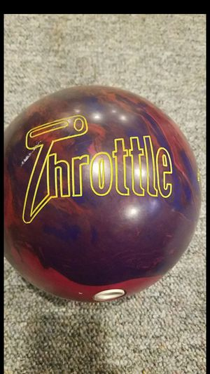 Columbia 300 throttle bowling ball for Sale in Elkridge, MD