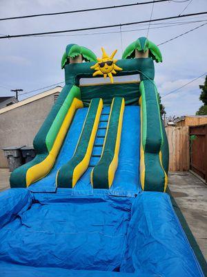 SE RENTAN HERMOSOS WATER SLIDE DOBLE RESBALADILLA CON COLHOLCHON EN LA ALBERCA MUY LIMPIOS Y DESINFECTADOS ESPECIAL DE LUNES 149 LOCAL for Sale in Los Angeles, CA