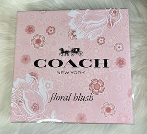 Coach floral blush perfume set for Sale in Visalia, CA
