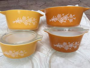 Vintage Set of 4 Pyrex Butterfly Gold / Butter Fly / for Sale in Boynton Beach, FL
