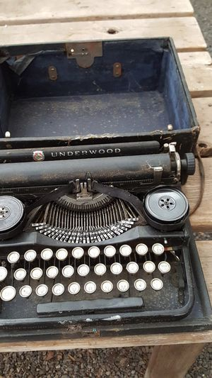 Typewriter ANTIQUE for Sale in Olympia, WA