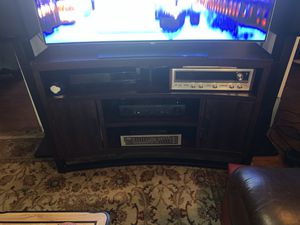 Curved TC stand up to 60 inch And TV for Sale in Silver Spring, MD