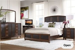 Rooms To Go 7 Piece Upholstered King Bedroom Set for Sale in Stafford, VA