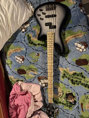 Pyle pro ulta bass guitar for Sale in West Haven, CT