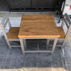 Kids School Craft Desk . New Wood Choose Any Color Or Any Stain Of Your Choice Two Chairs And Table. Total Labor, Material, Paint ,And Table & Chairs for Sale in Bakersfield, CA
