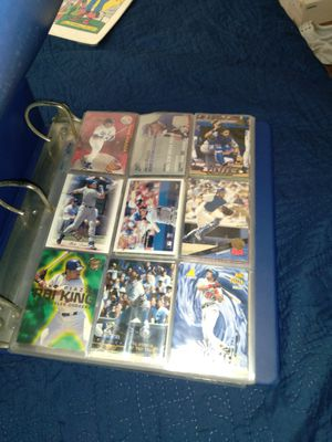 Mike Piazza baseball cards with binder for Sale in Riverside, CA