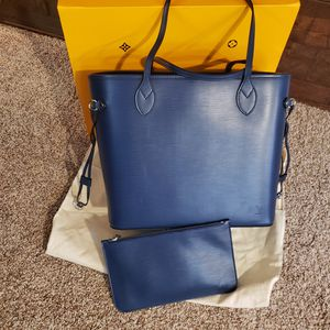 Gorgeous LV Epi Leather Neverfull and Pochette for Sale in Las Vegas, NV