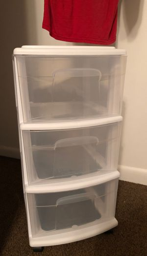3 drawer plastic storage for Sale in Willowbrook, IL