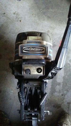 Mecury 7.5 small boat engine for Sale in MERRIONETT PK, IL