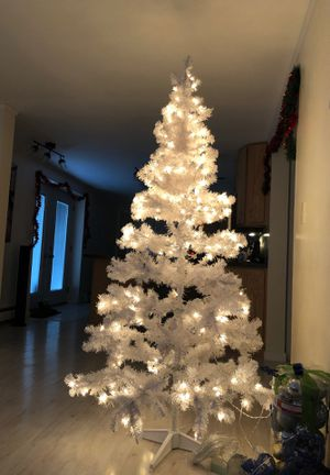 White Christmas tree 6ft for Sale in Marquette, MI