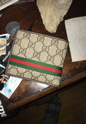 Gucci wallet for Sale in Upper Darby, PA