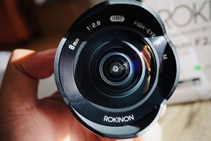Canon EF-M Mount Fish Eye Lens for Sale in Honolulu, HI