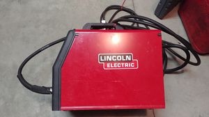 Lincoln Welder. 220 volt in New condition for Sale in Puyallup, WA