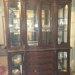 Free Cabinet for Sale in Lynnwood, WA