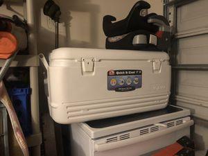Igloo cooler 100quart for Sale in Greenacres, FL