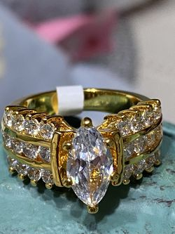18k Gold Filled Engagement Ring With Clear CZ Size 8,9 for Sale in Nashville,  TN