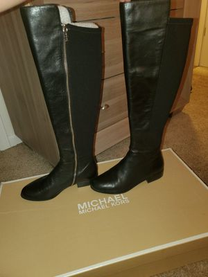Michael kors boots for Sale in Aurora, IL