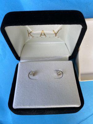 Diamond earrings for Sale in Hialeah, FL