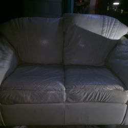 Off White Leather Love Seat for Sale in Houston,  TX