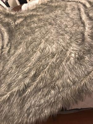 Fur throw blanket for Sale in Lake Elsinore, CA