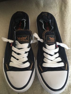 Levi's shoes size 6 for Sale in Houston, TX