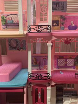 Barbie Doll House for Sale in Signal Hill,  CA