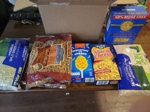 One box Food free for Sale in Melrose Park, IL