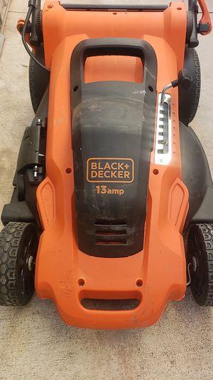 Black decker 13 amp electric lawnmower for Sale in Fontana, CA