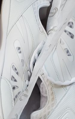 New Chasse Platinum cheer shoes for Sale in Sherwood,  OR