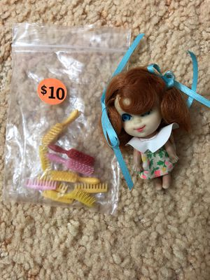 Vintage Little Kiddles with plastic brush and combs (Good Condition) for Sale in Kailua, HI