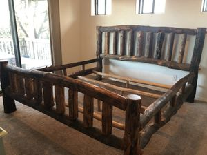 Mortis and Tinon king bed frame for Sale in Payson, AZ