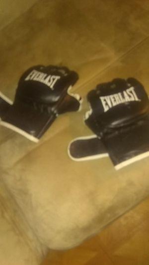 UFC gloves for Sale in Deltona, FL