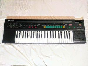 Keyboard / Midi Synthesizer / Synth w Power Supply Plays 100% for Sale in Los Angeles, CA
