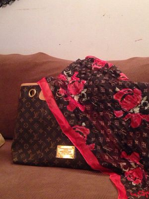 Louis vuitton bag with scarf included for Sale in Boston, MA