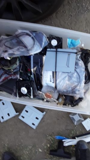 Computer components hard drives and miscellaneous parts for Sale in Colton, CA