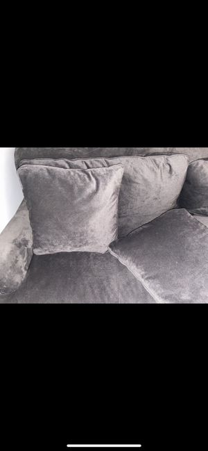 Two piece couch set for Sale in Independence, OH