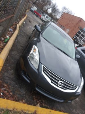 2010 nissan altima for Sale in Indianapolis, IN
