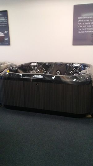 Jacuzzi hot tub for Sale in San Antonio, TX