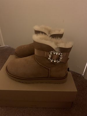 100% Authentic Brand New in Box UGG Classic Mini Side Brooch Boots / Women size 6, Women size 7 and Women size 8 / Color: Chestnut for Sale in Walnut Creek, CA