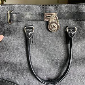 Black Michael Kors bag for Sale in Carbonado, WA