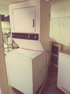 Washer And Dryer Assembly Maytag for Sale in Los Angeles, CA