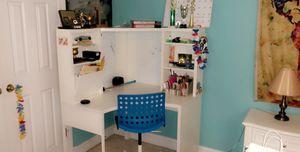Corner desk for Sale in Ellicott City, MD