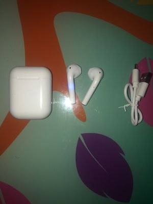 Fake (AirPods) for Sale in Miami Gardens, FL